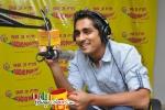 Siddharth at Radio Mirchi