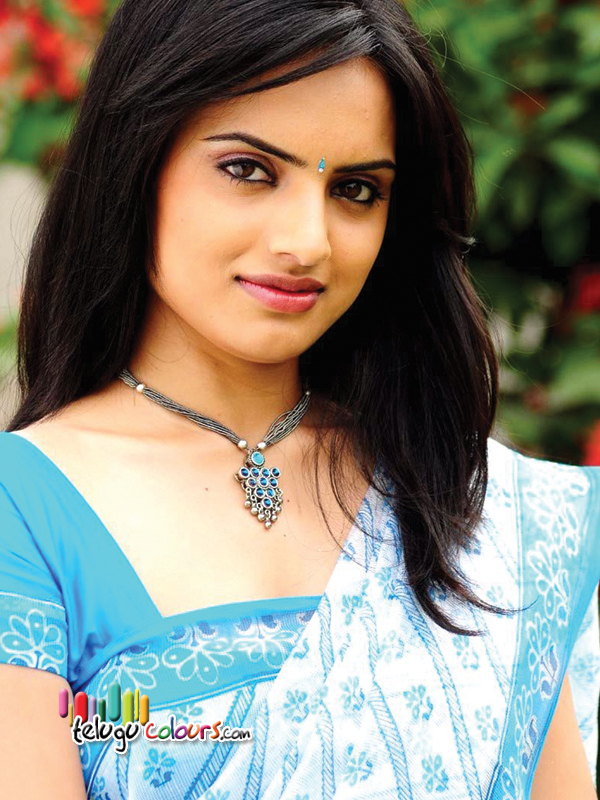 http://www.telugucolours.com/uploads/gallery/actress/ritu_kaur_hot_pics/images/Ritu-Kaur-2.jpg