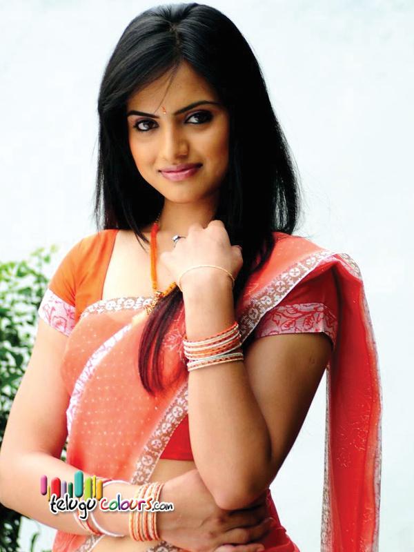 http://www.telugucolours.com/uploads/gallery/actress/ritu_kaur_hot_pics/images/Ritu-Kaur-3.jpg